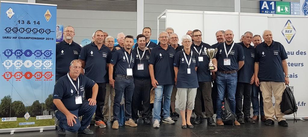 TM0HQ au salon de Friedrichshafen 2019 - Une partie de l'équipe et des sponsors